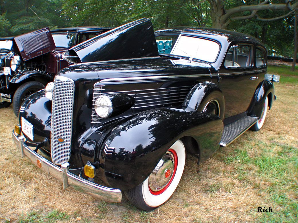 1937 LaSalle 2dr