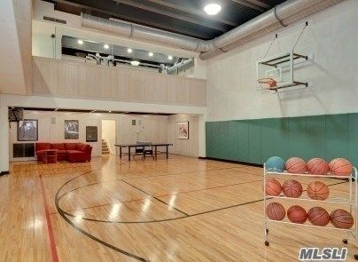 Pin By Brunocunha On Indoor Basketball Court Home Basketball Court Basketball Room Indoor Basketball Court