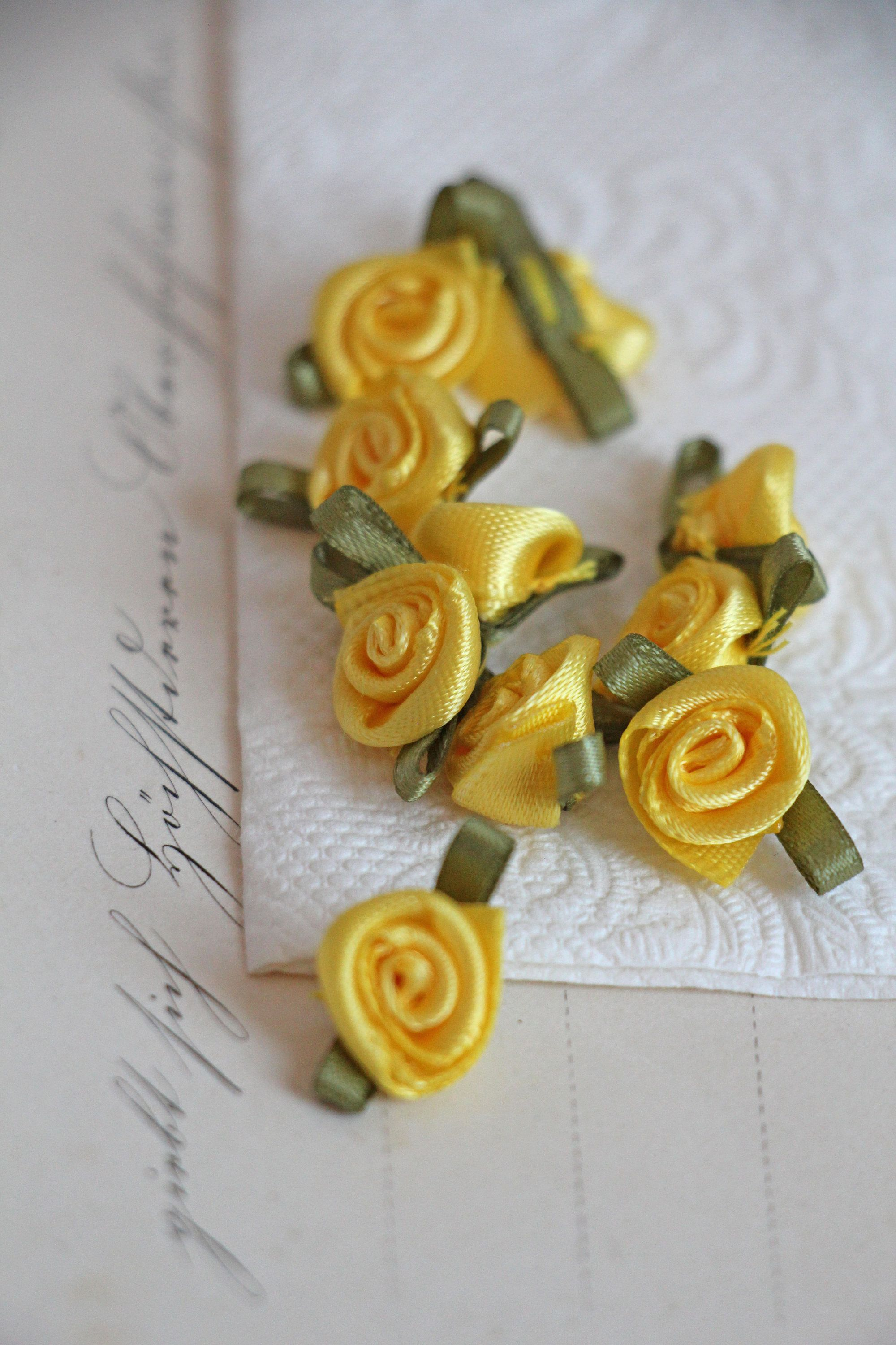 19eur St 10 Small Satin Roses Satin Flores Yellow 1 Cm Rose Rosebud Satin Ribbon Roses Flower Rose Applique Decoration Sewing Diy Quilt Blumen Rosen Quilt Rosen