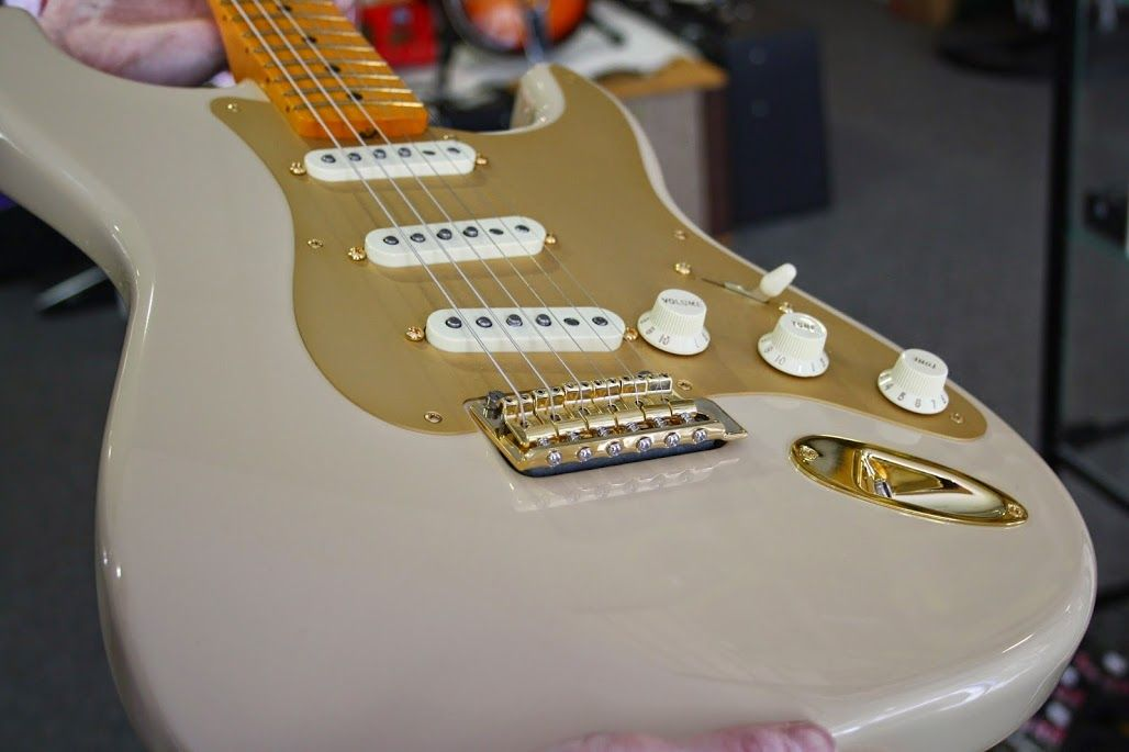 Fender 60th Anniversary Classic Player '50s Stratocaster  #Fender #60th #Anniversary #Classic #ClassicPlayer #Stratocaster #Desert #Gold #Guitar #iiMusic #Aberdeen