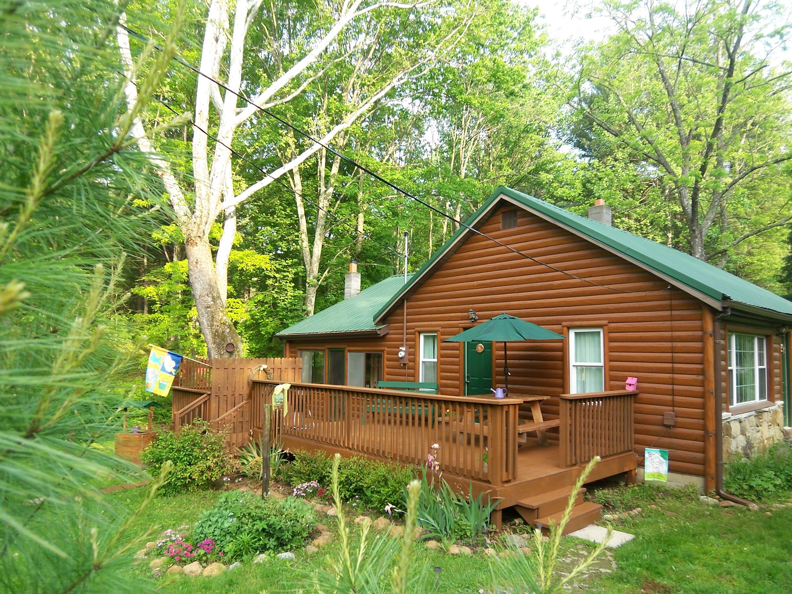 A Brookside Cabin, a vacation rental in Brown County