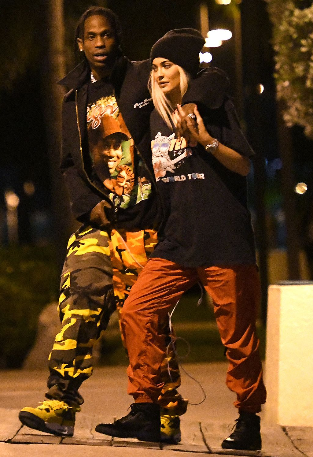 Why New Parents Kylie Jenner Amp Travis Scott Are Not Officially Living Together Source Kylie Travis Travis Scott Kylie Jenner Kylie Jenner Style Travis is currently positioned to make the best album of his career. pinterest