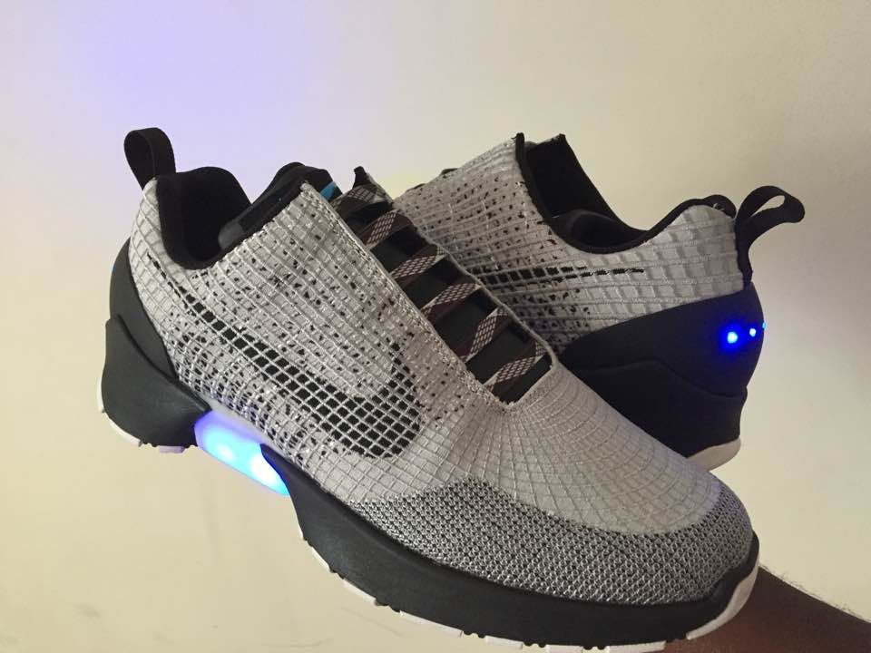newest 56842 935c8 Fake Auto Lacing Nike Hyperadapt 1.0- Do They Self Lace