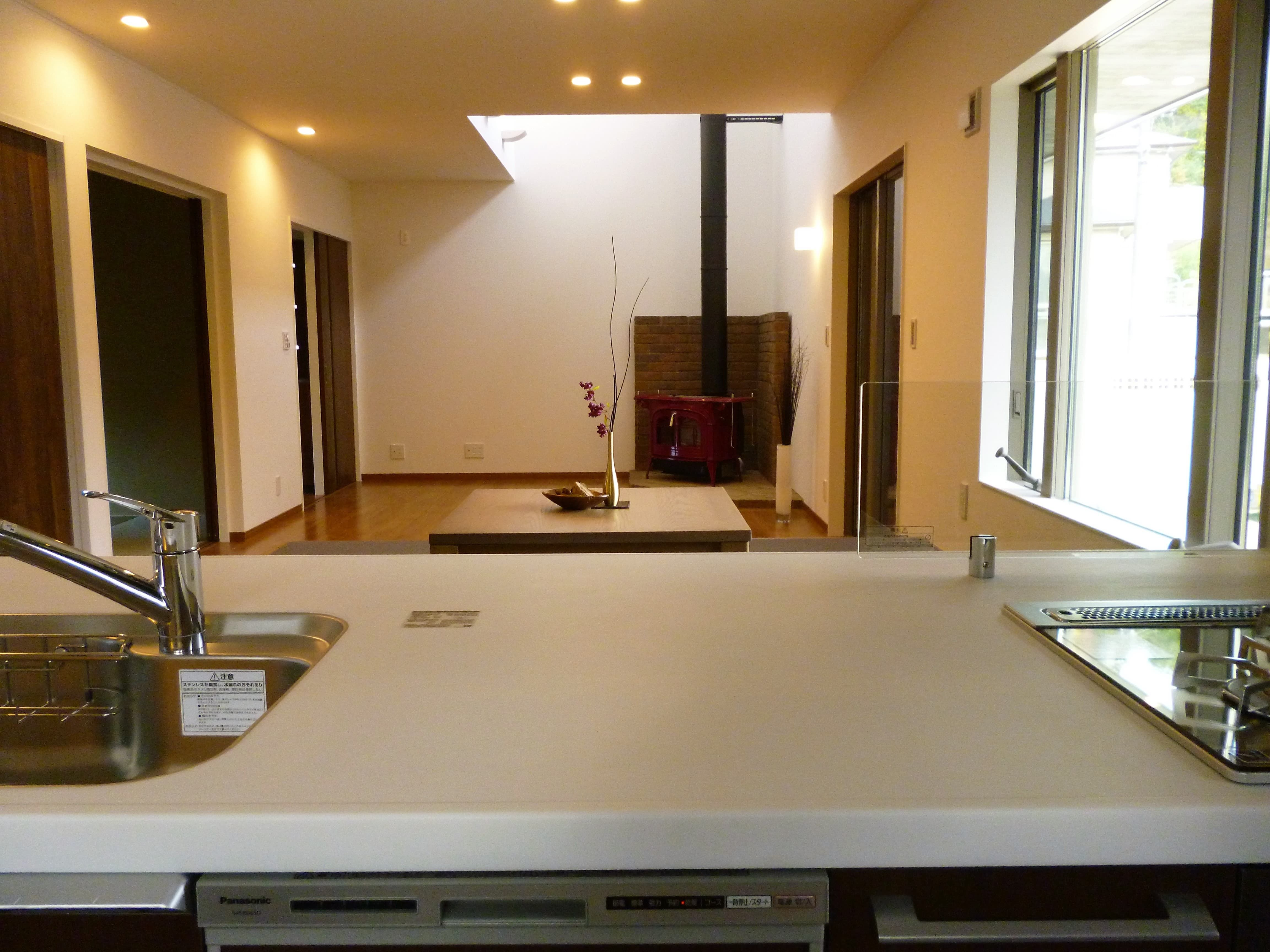 キッチン 窓 大きさ