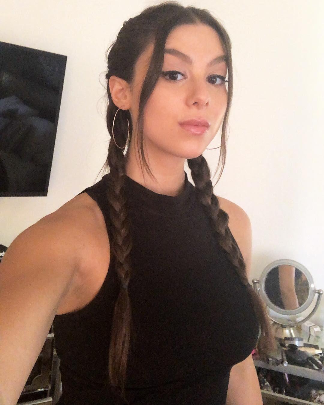 Instagram kira kosarin Kira Kosarin's