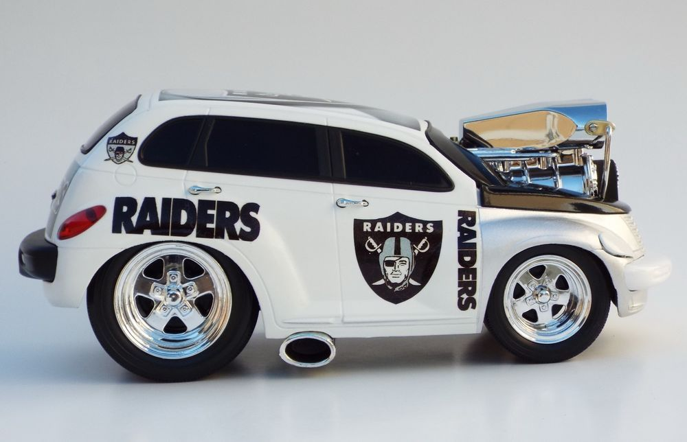 Muscle Machines Custom Oakland Raiders PT Cruiser Hot Rod Car 1:18 ...