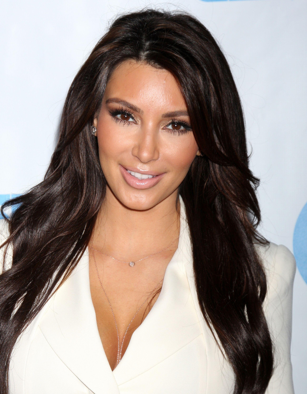 love the glow from her makeup   Kim kardashian