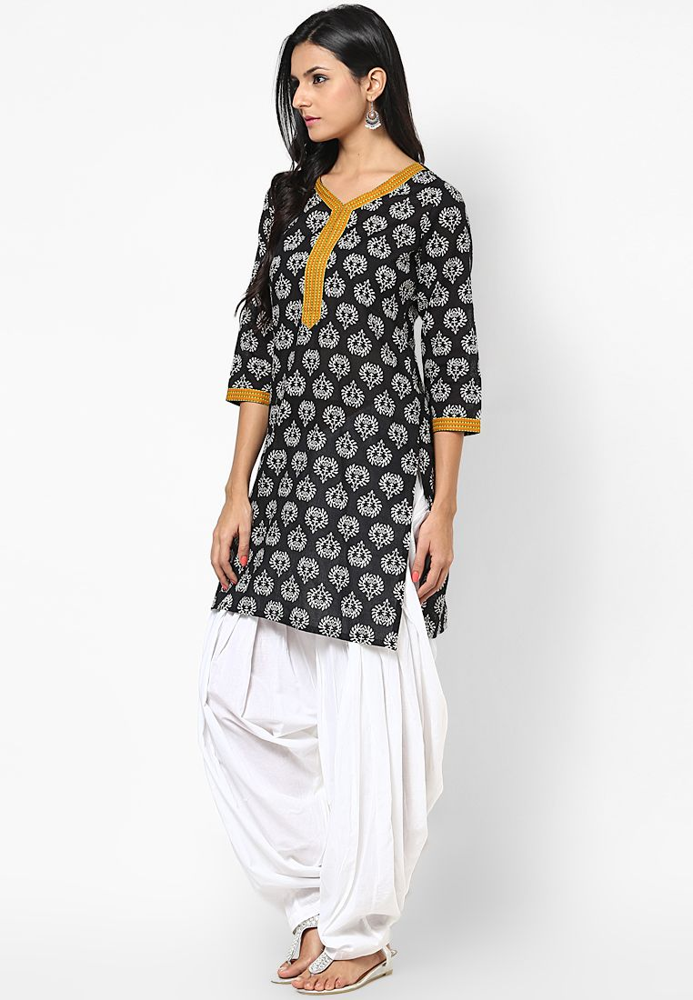 cb035d0752 Jaipur Kurti Cotton Black Kurti With White Patiala Salwar And Dupatta