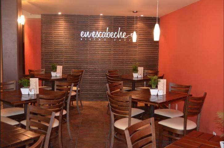 Restaurante Rústico Pequeño En 2020 Diseño De Restaurantes