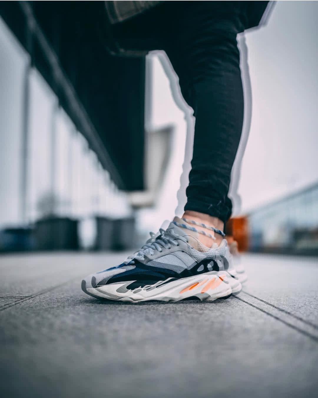 Adidas Yeezy Boost 700 Wave Runner By Peter Coyne Neue Sneaker Sneaker Schuhe