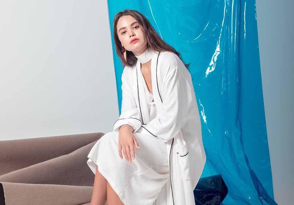 عبايات بيضاء 2019 بلمسات انيقة Look Arab Lab Coat Fashion Coat
