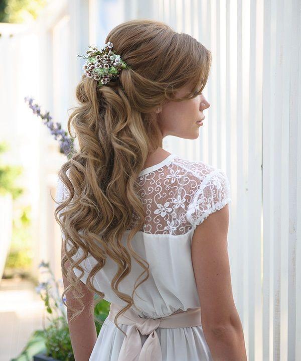 Pin By Bertha Mora On Braids Hair Styles First Communion Hairstyles Glamorous Wedding Hair