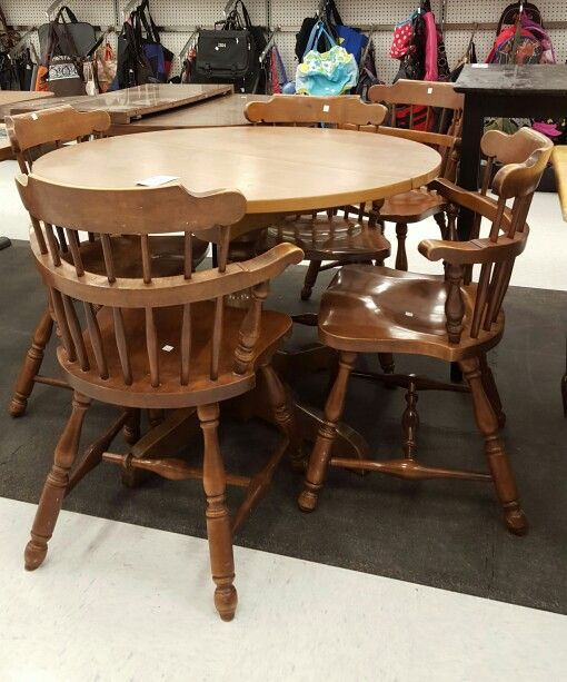 Heywood Wakefield Early American Style Round Pedestal Table W Formica Top Amp