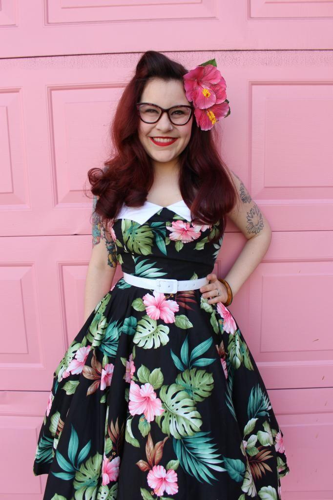 Amanda fromJunebugs and Georgia Peaches blog looks adorable in our 50s style Hawaiian print halter dress #50sstyleDresses #RetroDresses #HawaiianDress