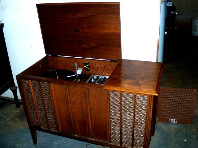 Zenith Y910, LOVE this table   Vintage television   Antique