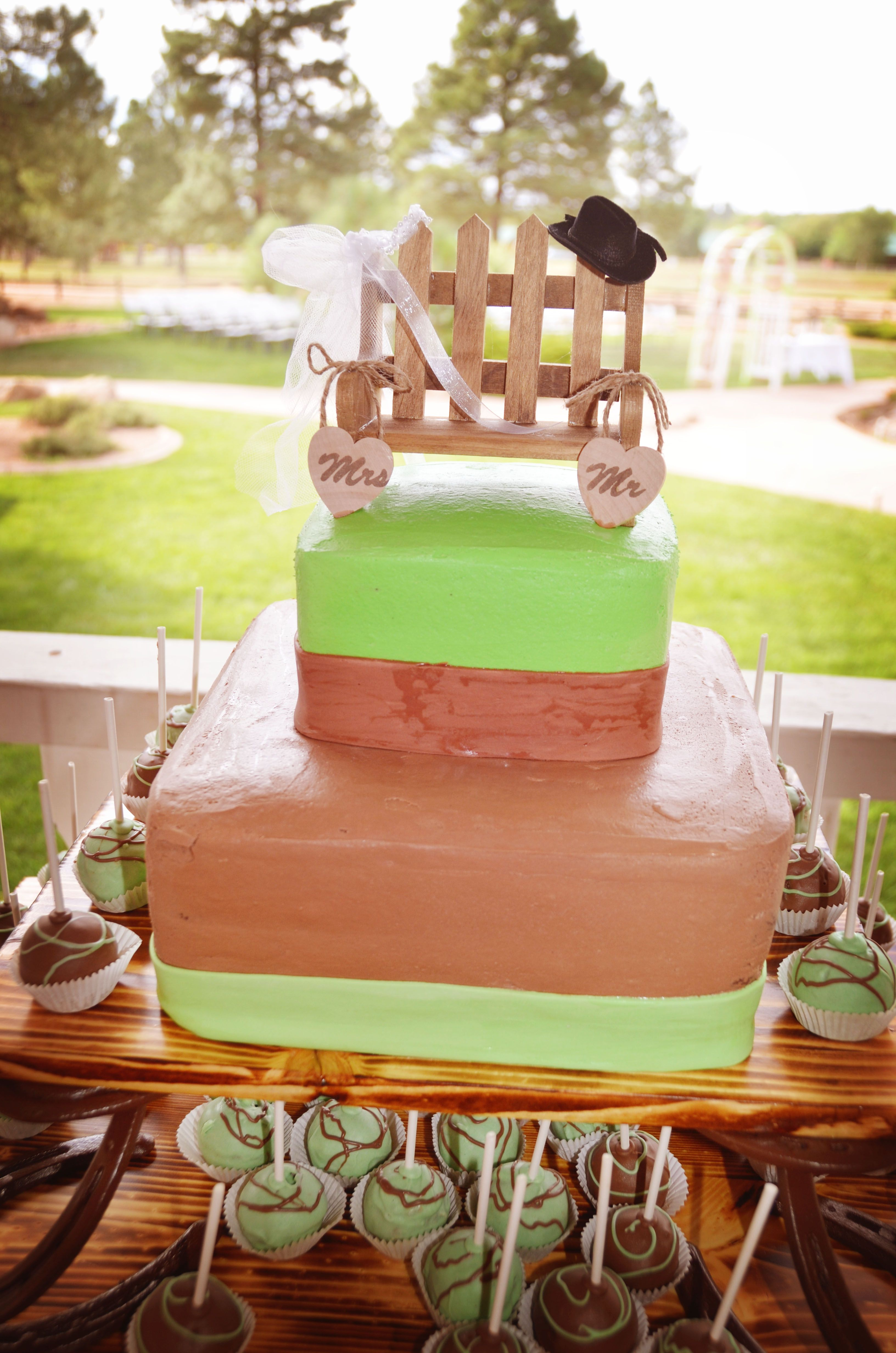 Rustic country wedding cake our weddings pinterest rustic