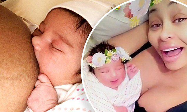 Blac Chyna Breastfeeds Daughter Dream In Newborn Baby S First Tweet Daily Mail Online Newborn Babys Blac Chyna Newborn