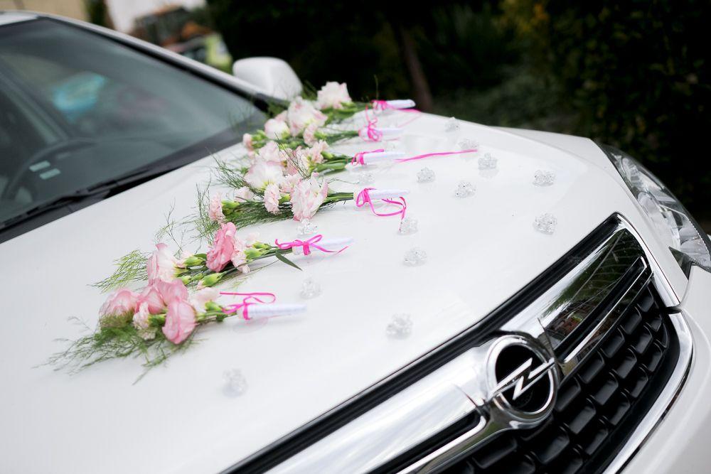 Dekoracje Samochodow Do Slubu Zywe Kwiaty Tylko We Wroclawiu Swidnicy Car Decor Unique Bouquet Wedding