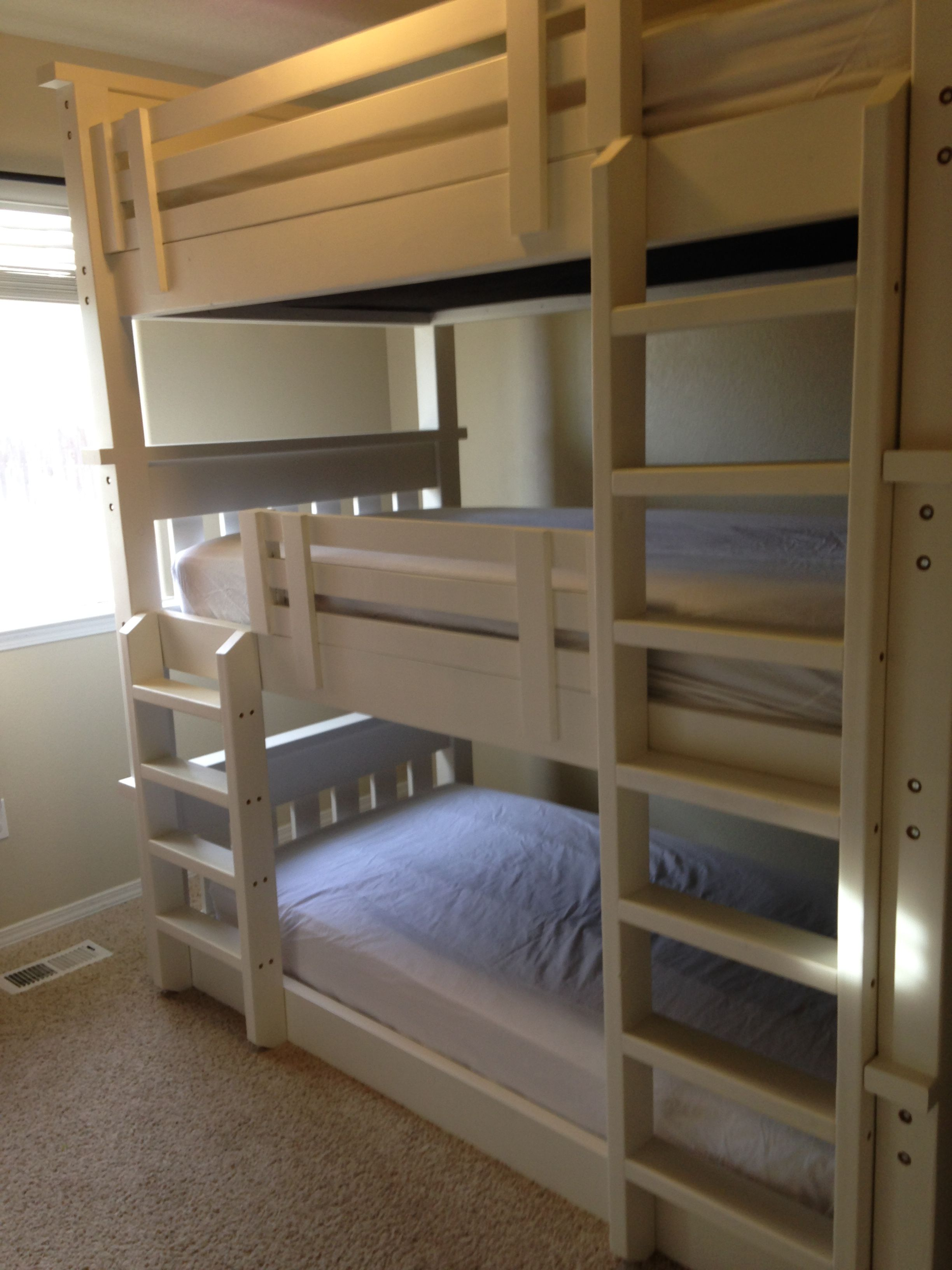 simple bunk bed triple bunk do it yourself home projects from ana white budget pinterest. Black Bedroom Furniture Sets. Home Design Ideas