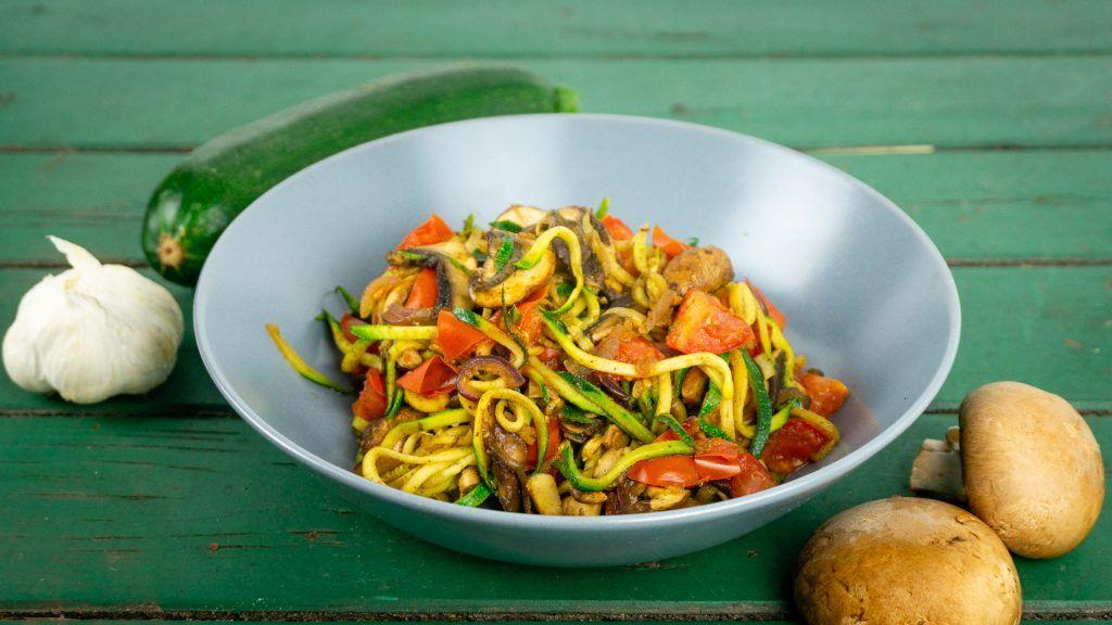 Leichte Sommerküche Ohne Kohlenhydrate : Zoodeln mit pilzen leichte sommerküche der bio koch healthy