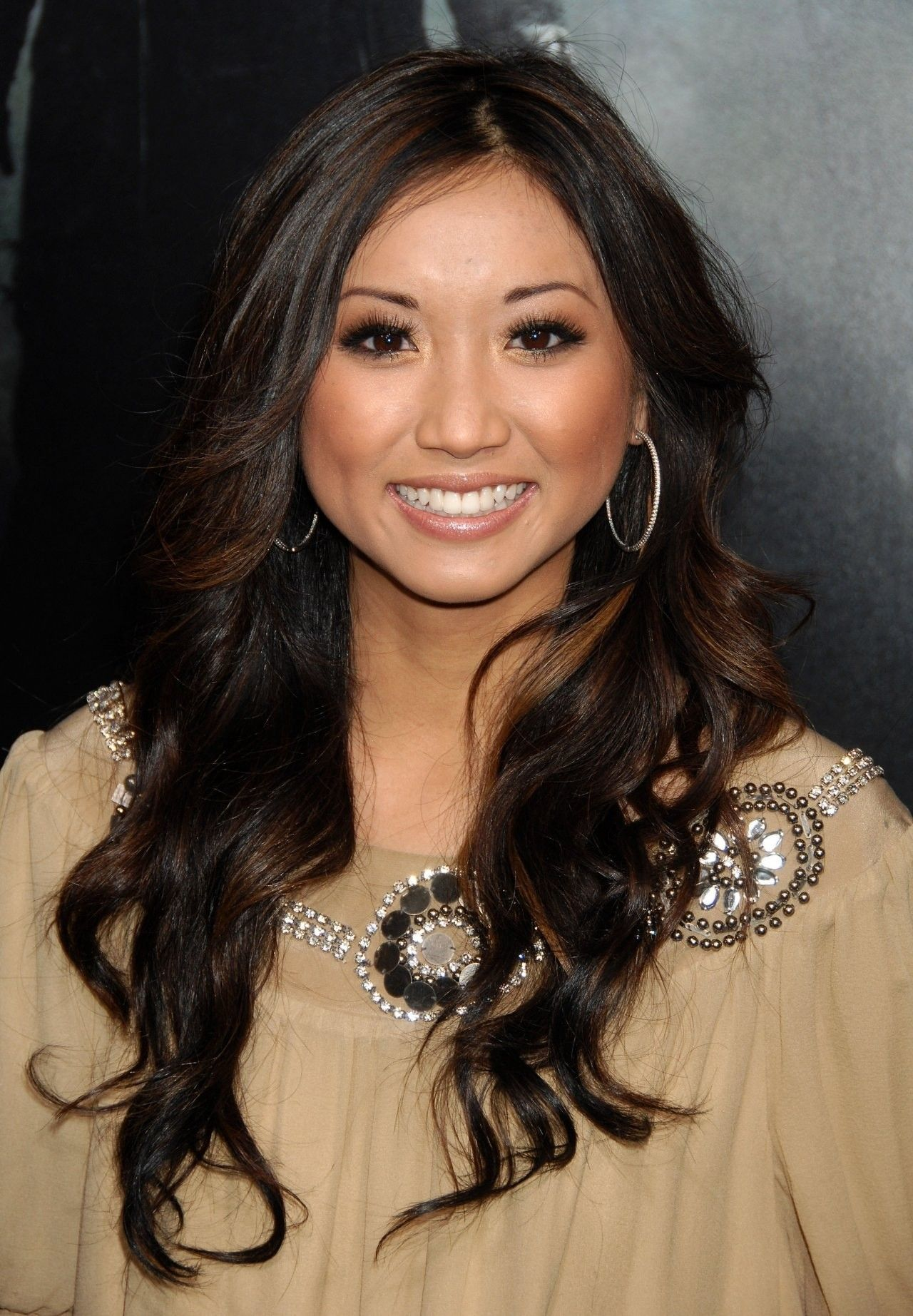 Pin By Draggman On Brenda Song Pretty Hairstyles Wedding Makeup For Brown Eyes Simple Wedding Makeup