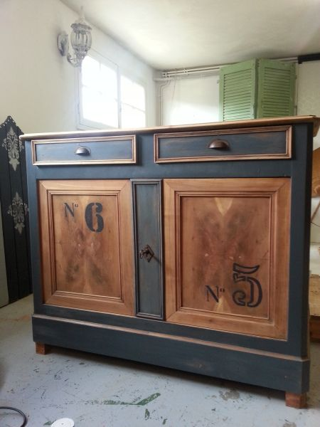 beau relooking buffet style indus industriel bistrot bois et gris chiffres poign es coquilles. Black Bedroom Furniture Sets. Home Design Ideas