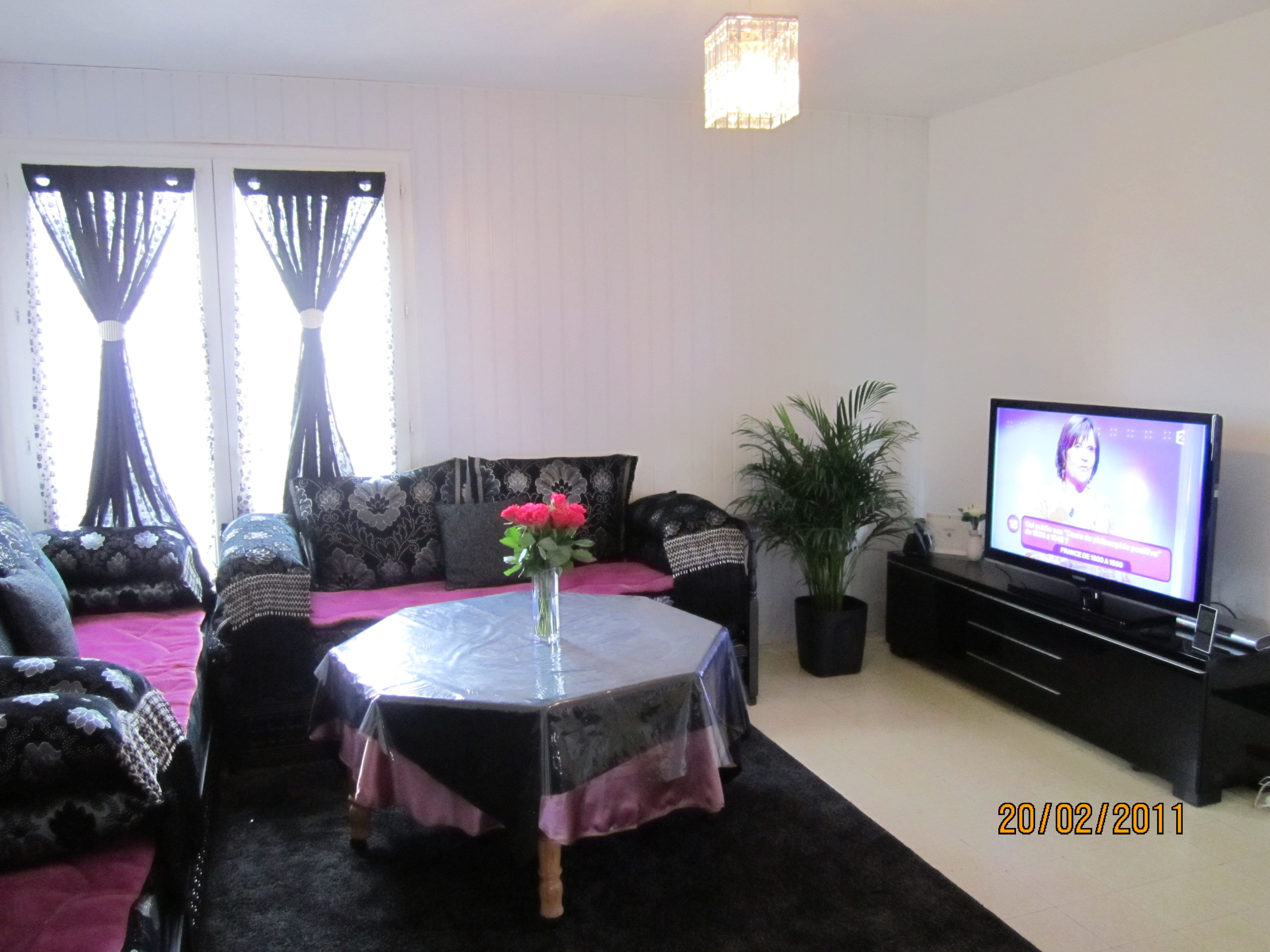 stunning salon sedari design ideas. Black Bedroom Furniture Sets. Home Design Ideas