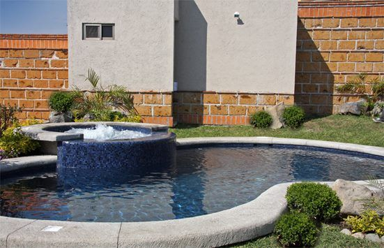 No te gustaría poder pasar estos días de mucho calor en tu propia alberca con calefacción y jacussy? #Cuernavaca