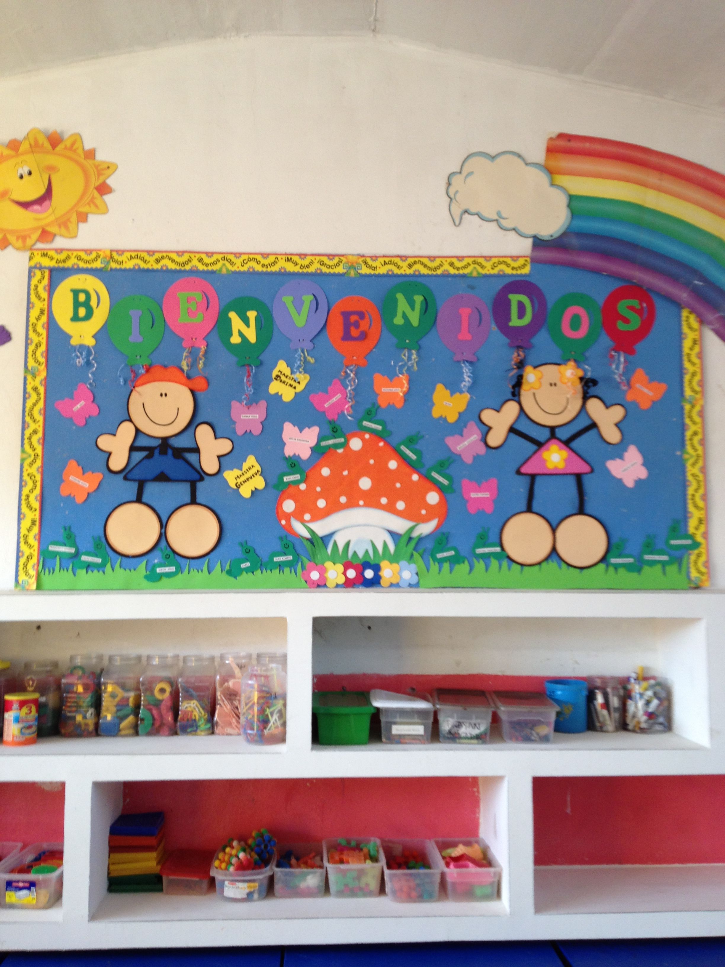 Mi sal n de preescolar bienvenida para el nuevo ciclo for Decoracion de puertas de salones