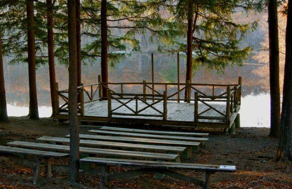 new york rustic wedding venue at cedar lake estate