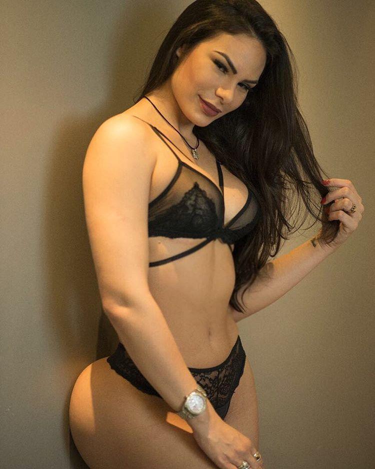 Hasil gambar untuk Rayssa Teixeira Melo