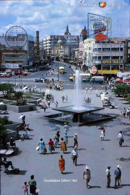 Calzada Independencia Y Ave Juarez Hacia 1962 Catedral De Guadalajara Viajes En Mexico Fotos De Mexico