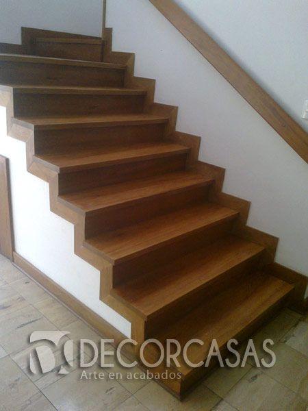 Escalera de shihuahuaco acabado con bona novia semi for Gradas de madera para escaleras