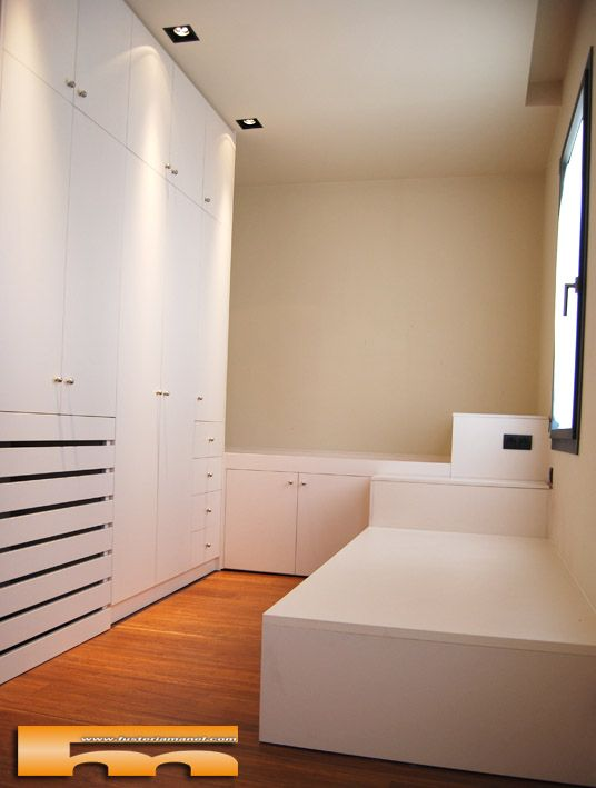 Habitaci n infantil a medida con armario con cubreradiador y 2 camas a 2 alturas con ba l - Habitaciones infantiles barcelona ...