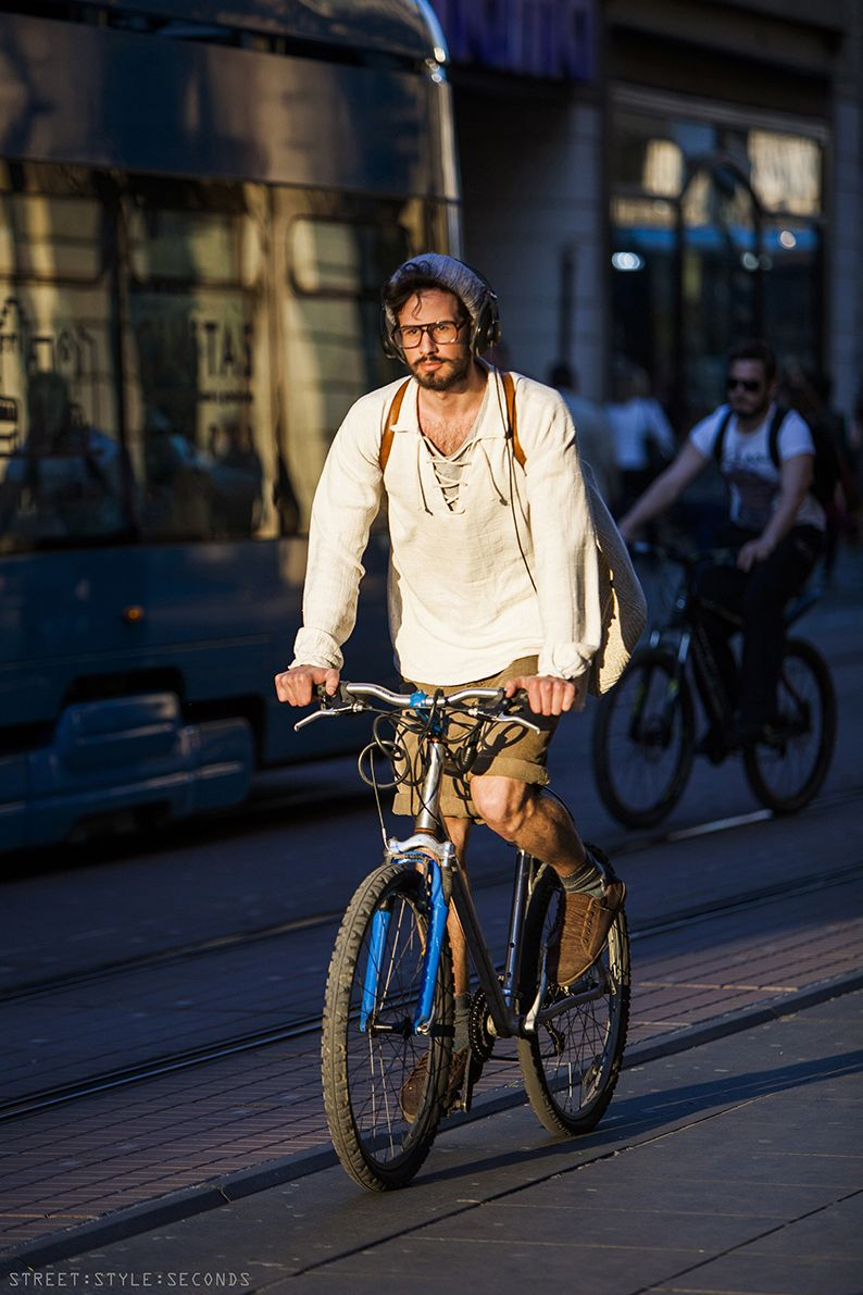 Street Style Seconds Stylish Cycling In Zagreb Bicicletas