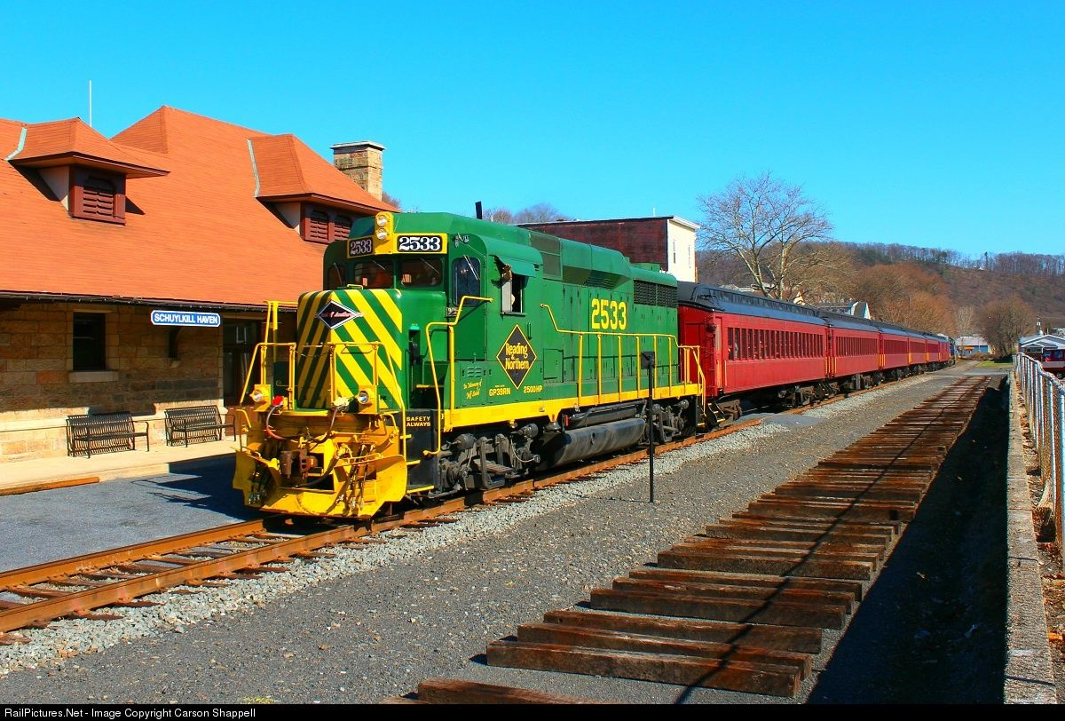 Net Photo: 2533 Reading & Northern GP39RN at Schuylkill Haven, Pennsylvania  by Carson Shappell
