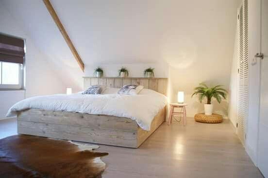 Romantische, trendy zolder slaapkamer