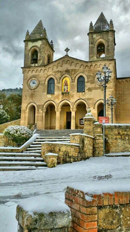 #Gibilmanna, contrada di Cefalù.   #Gibilmanna a wonderful Sanctuary near Cefalu'.  #Cefalu #Madonie #visitsicilyinfo ph Giovanna Sidoti by #Siciliando