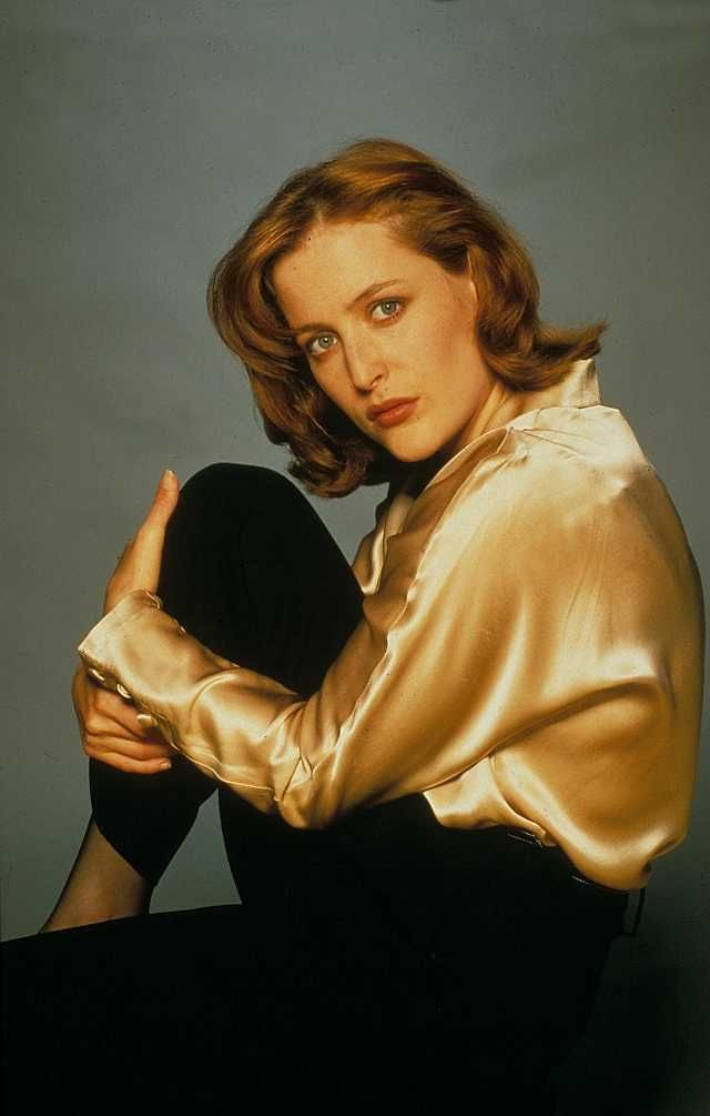 Photo of 7 Times Gillian Anderson Wore The Hell Out Of The 90s