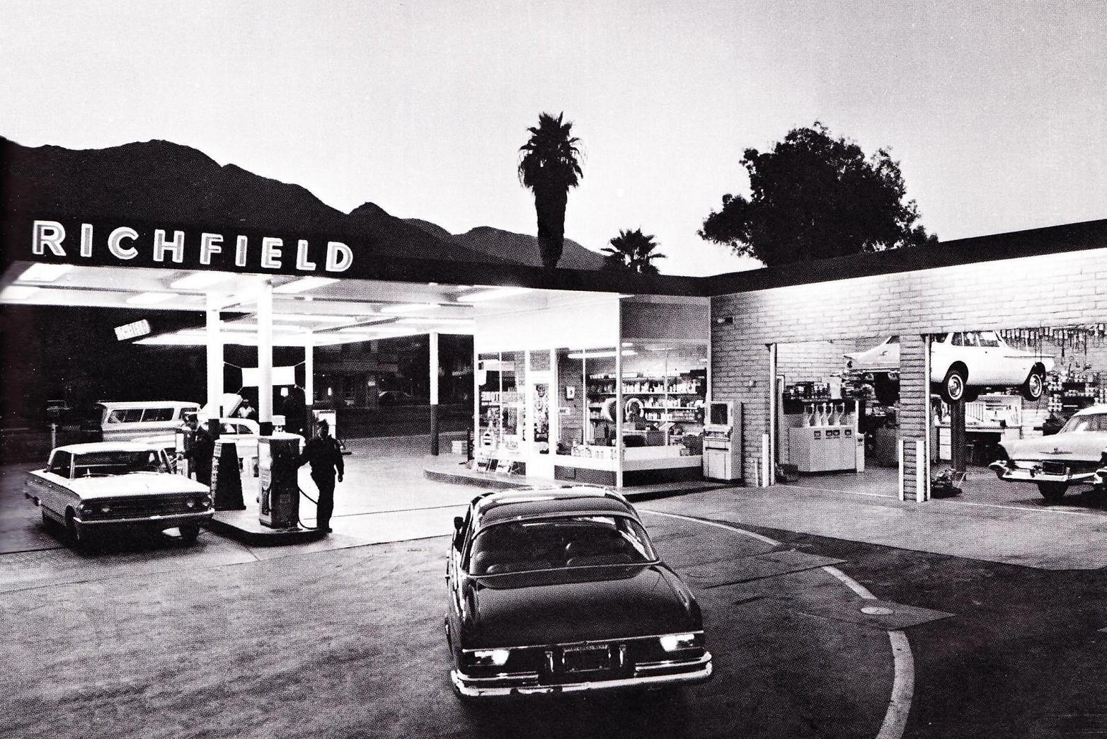 gas pump 1963 30 cents per gallon Gas station