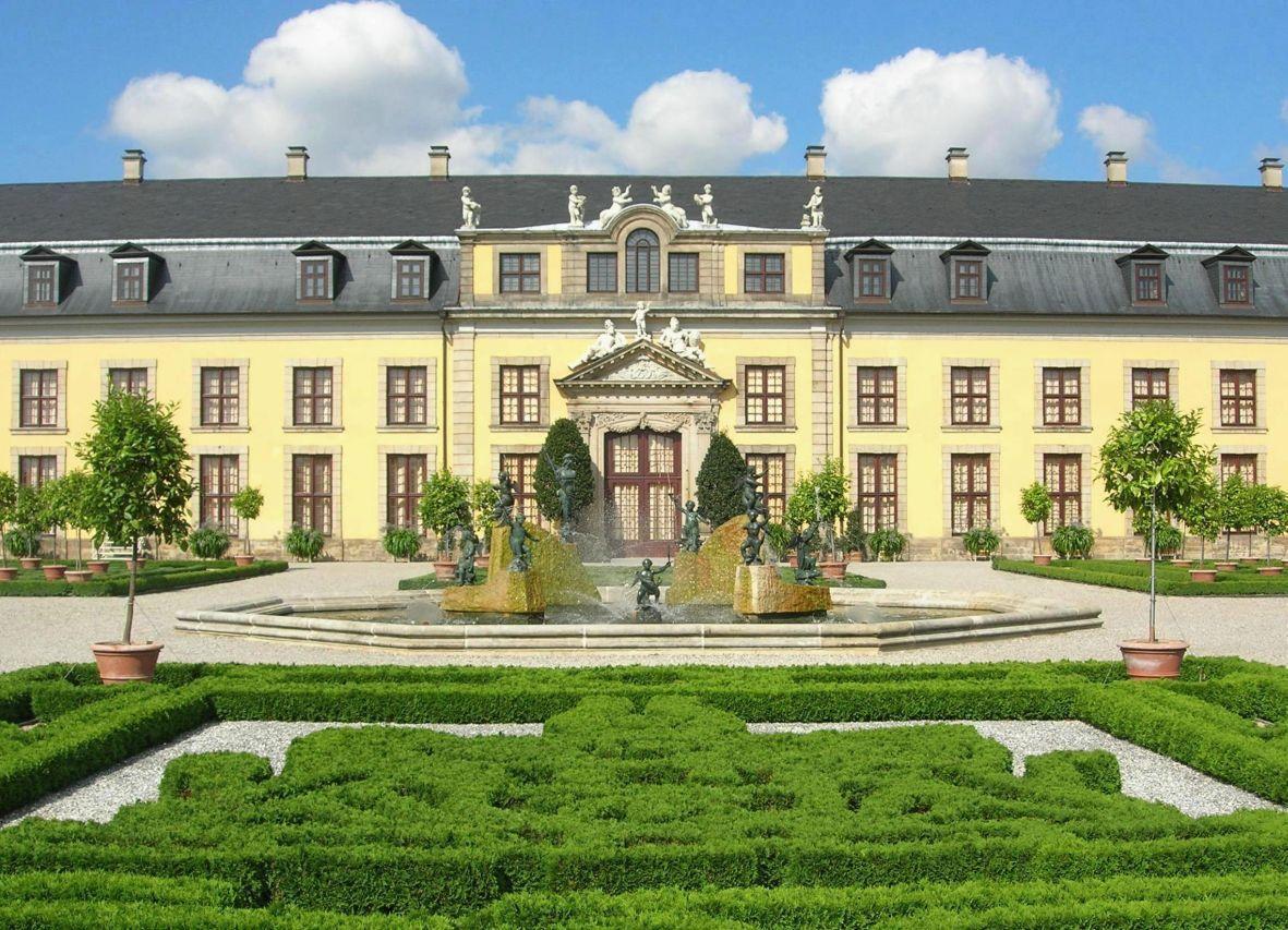 Die Herrenhauser Garten In 2020 Garten Haus Gartenportal