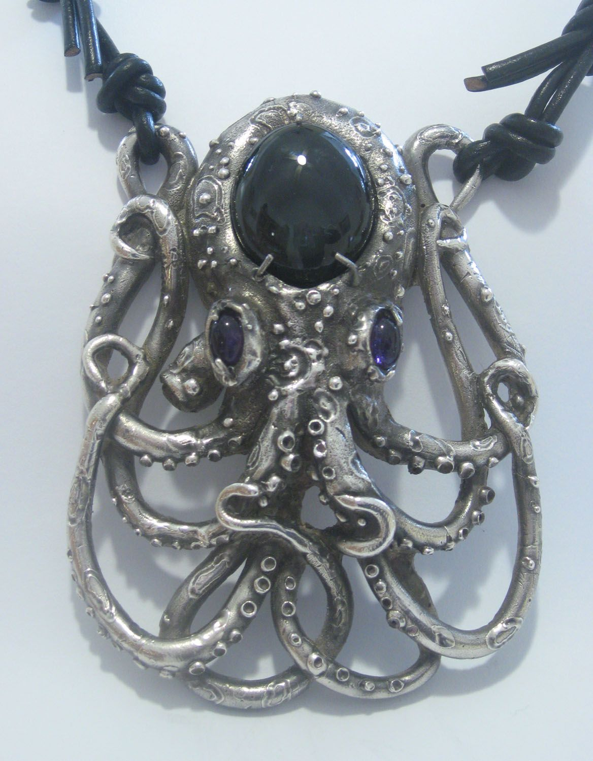 Large Silver Octopus by sullensinuous on deviantART