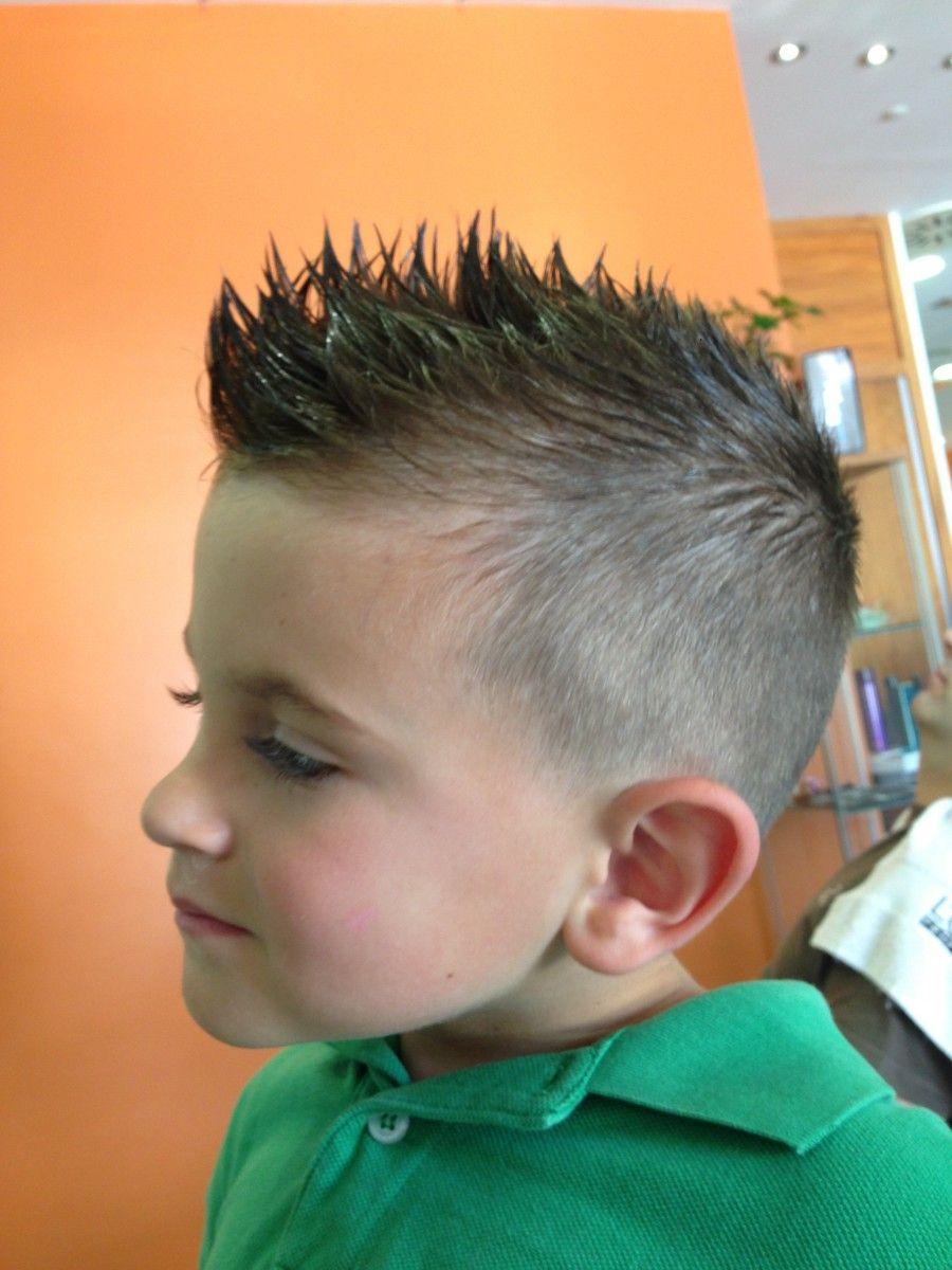 Diferentes versiones peinados mohicano Fotos de tutoriales de color de pelo - Pin en Peinados MOHICANOS