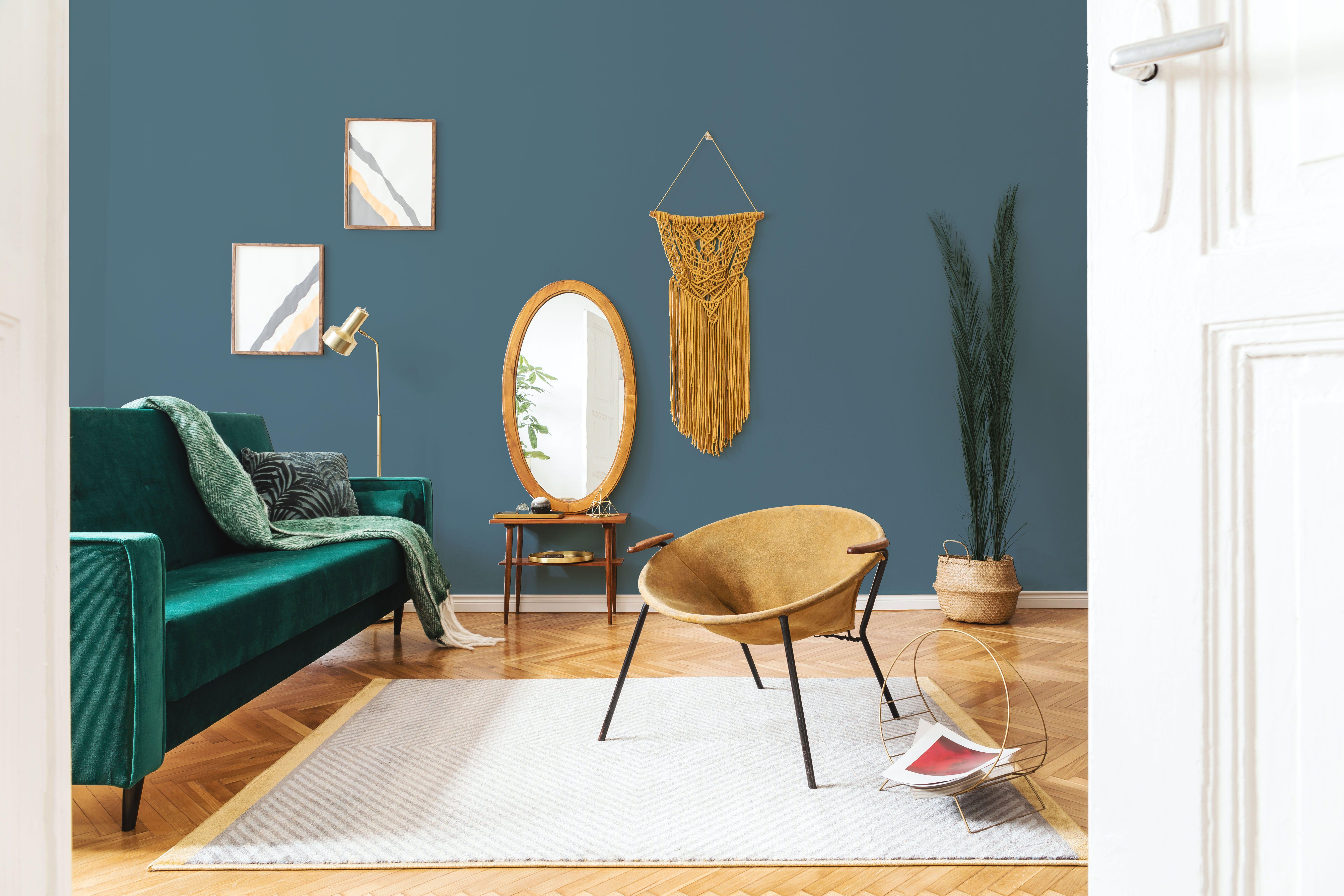 Du Sol Au Mur Le Bleu Madura S Integre A La Perfection Dans La Deco Deco Salle A Manger Idee Salle A Manger Decoration Chambre Bleue