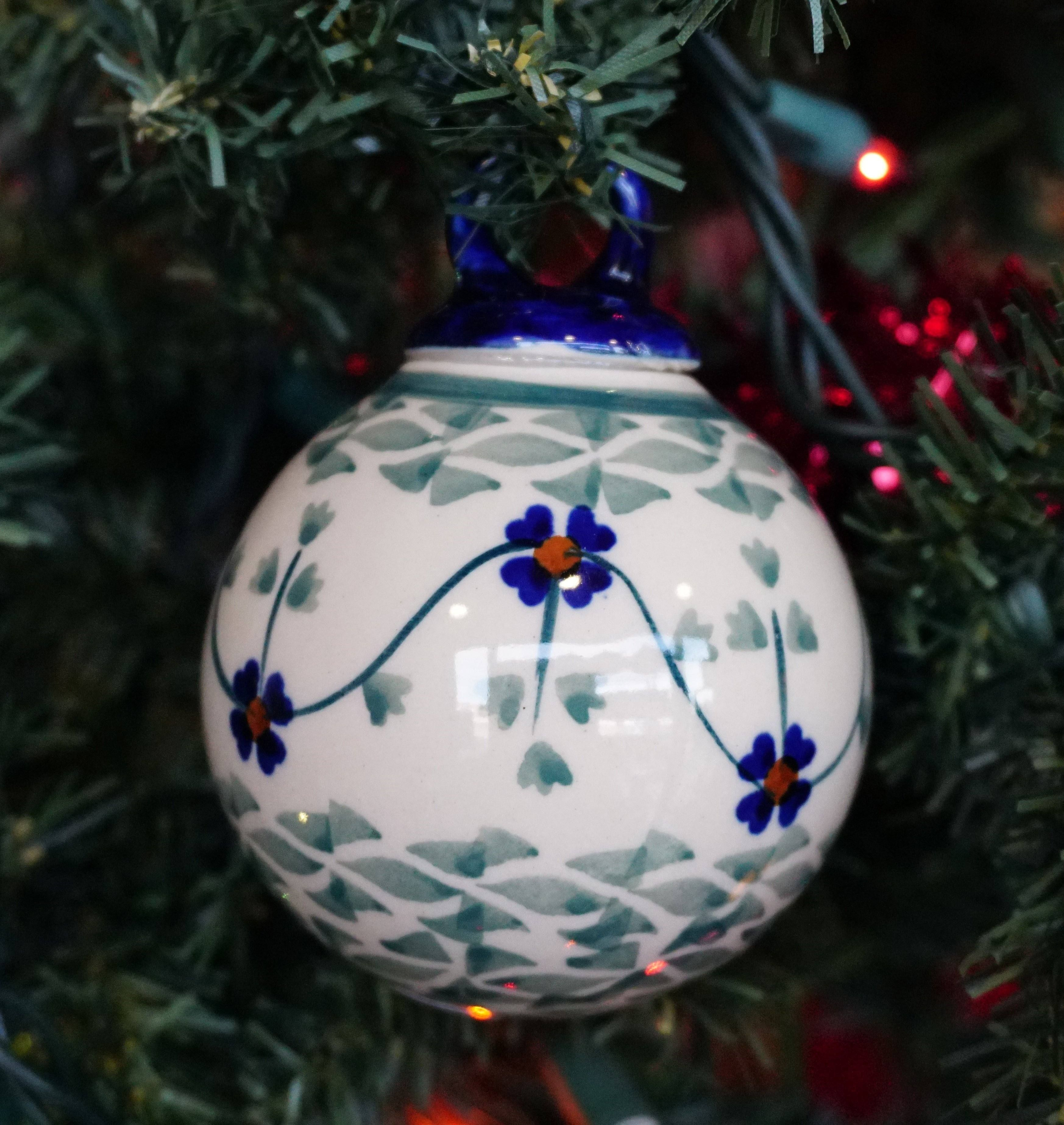 275 Ornament Ball (Woven Pansies)