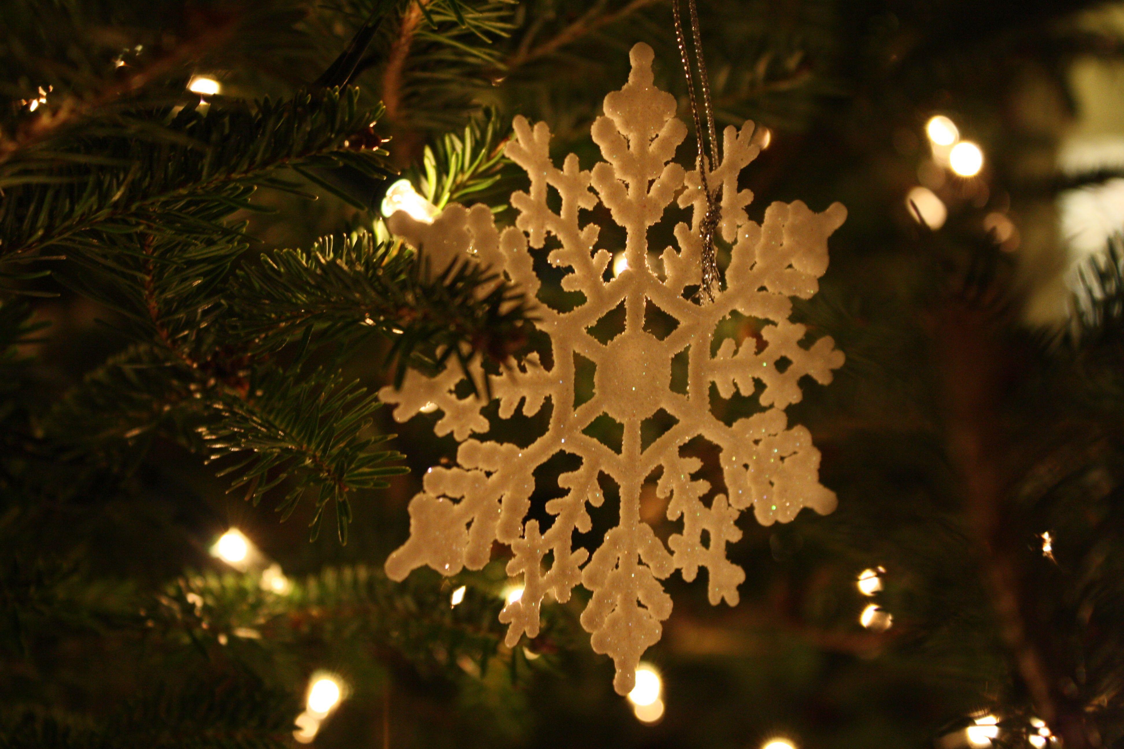 The snowflake scrollsaw patterns pinterest christmas ornament