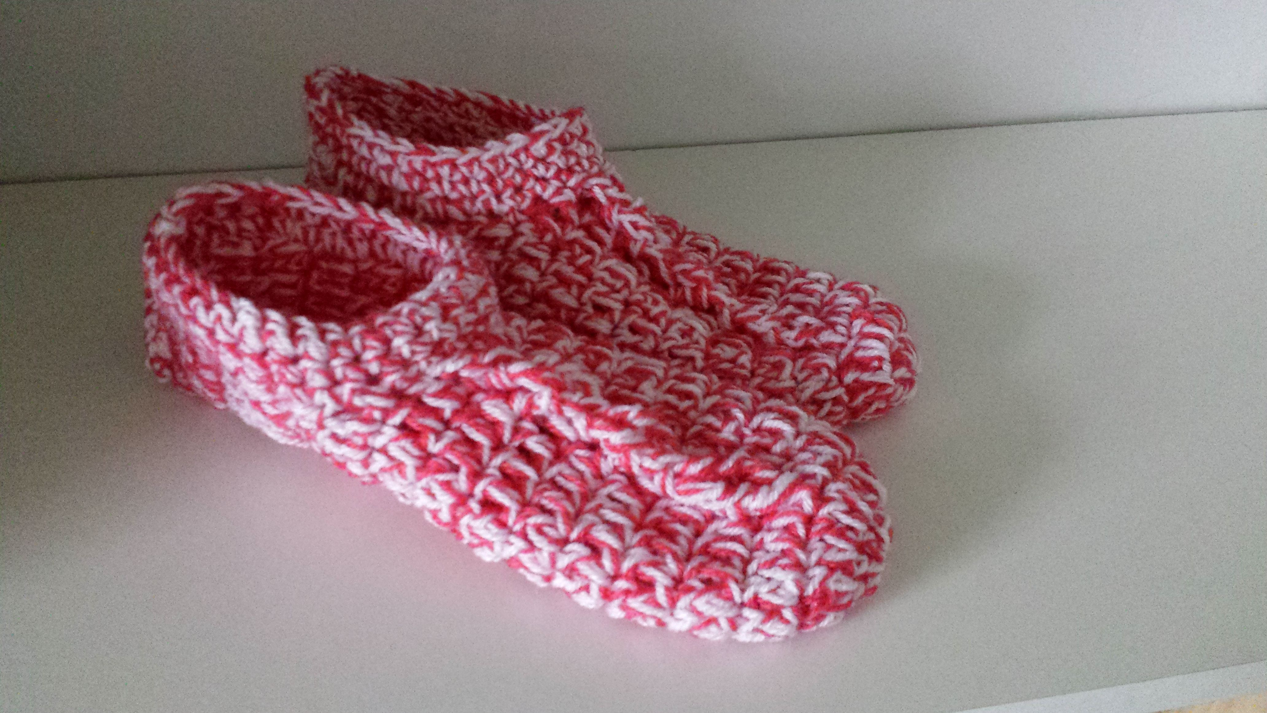 Simple Chunky Cable Crochet Slippers