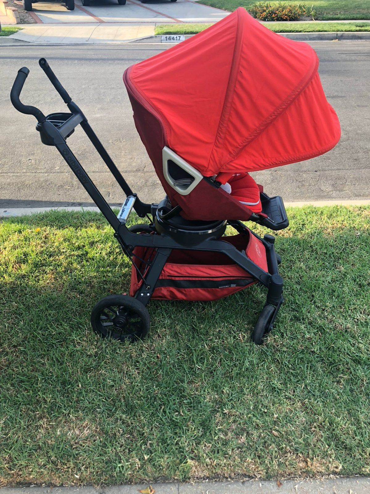 This travel system is the orbit baby g2. It's in good