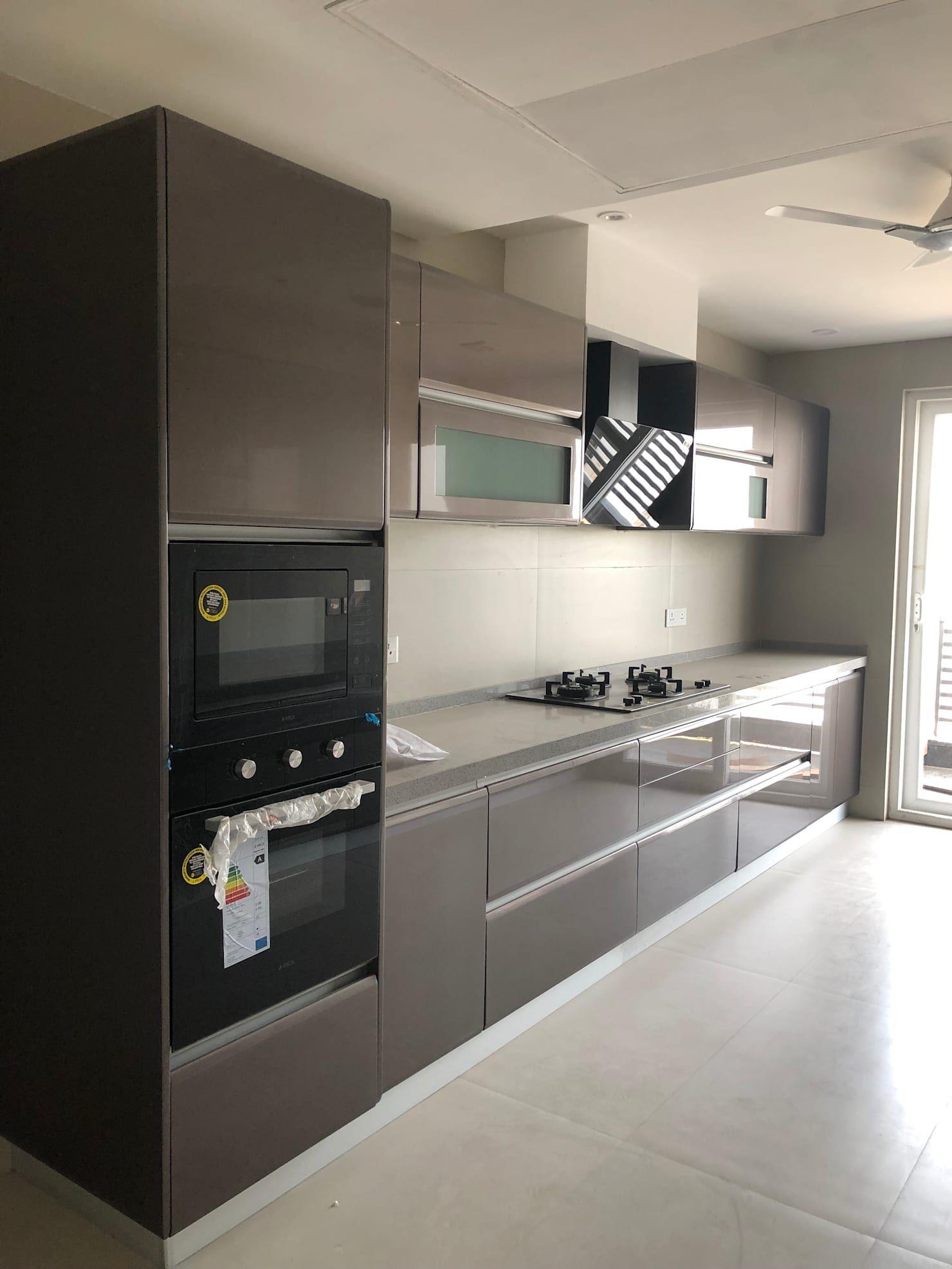 Villa In Dlf Phase 1 Modern Kitchen By The Workroom Modern Kitchen Design Open Latest Kitchen Designs Kitchen Cabinet Accessories