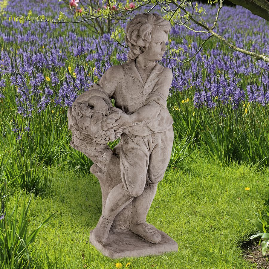Gartenfigur Herbst Antikisierter Frostfester Handgegossener Steinguss Aus England Nach Vorlag Gefunden Auf Www Coun Gartenfiguren Garten Bepflanzung